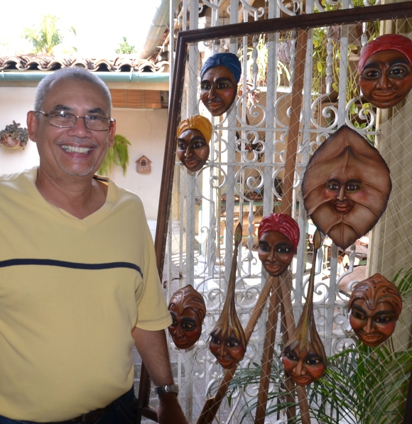 "Leather sculptor Jose ""Pepe"" Guiterrez and his very creative leather items."
