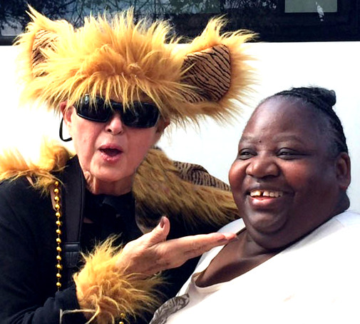 Carolyn Blows Kiss to Black Lady at Mardi Gras 2017
